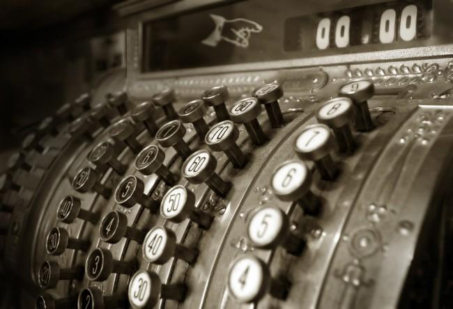 Vintage Cash Register Image ©mikdam