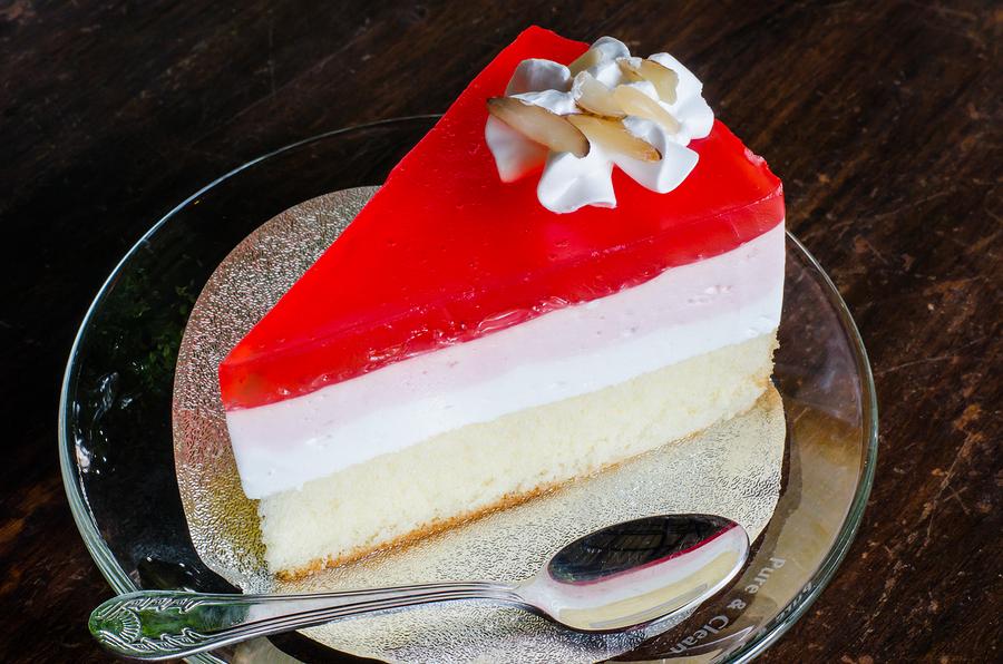 Strawberry Crepe Cake  |  photobyphotoboy