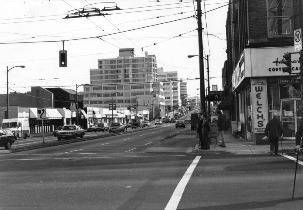 Broadway & Granville looking East, November 1988 © City of Vancouver Archives