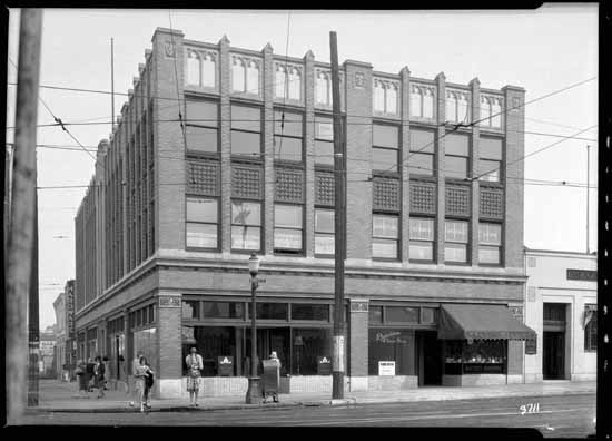 The Dick Building, 1929. Courtesy of VPL Archives.