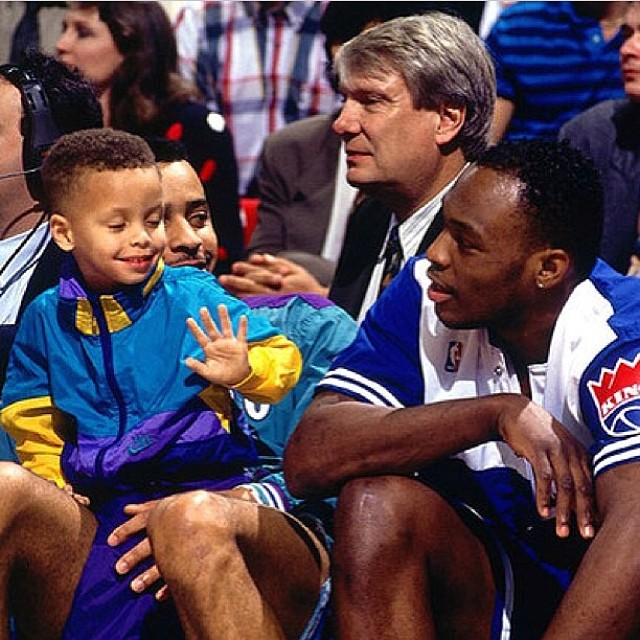 Young Steph Curry @StephenCurry30 ✋🏀3⃣ #tbt #warriors #warriorsground #dubnation