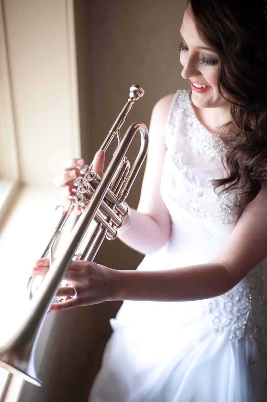 Susannah_Deangelo_Antique_Silver_Music_Hall_Wedding-36.jpg