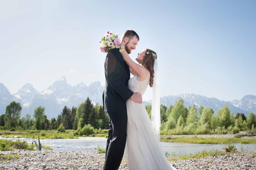 Schwabachers Landing Elopement Photographer