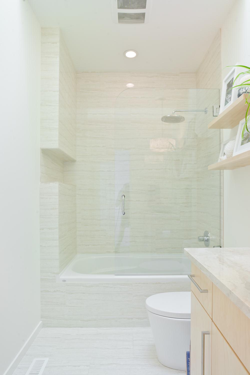 Main bath (2).jpg
