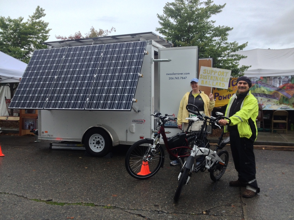 Stefan Schlesinger of Seattle Electric Bike and a Sustainable Ballard Festival volunteer