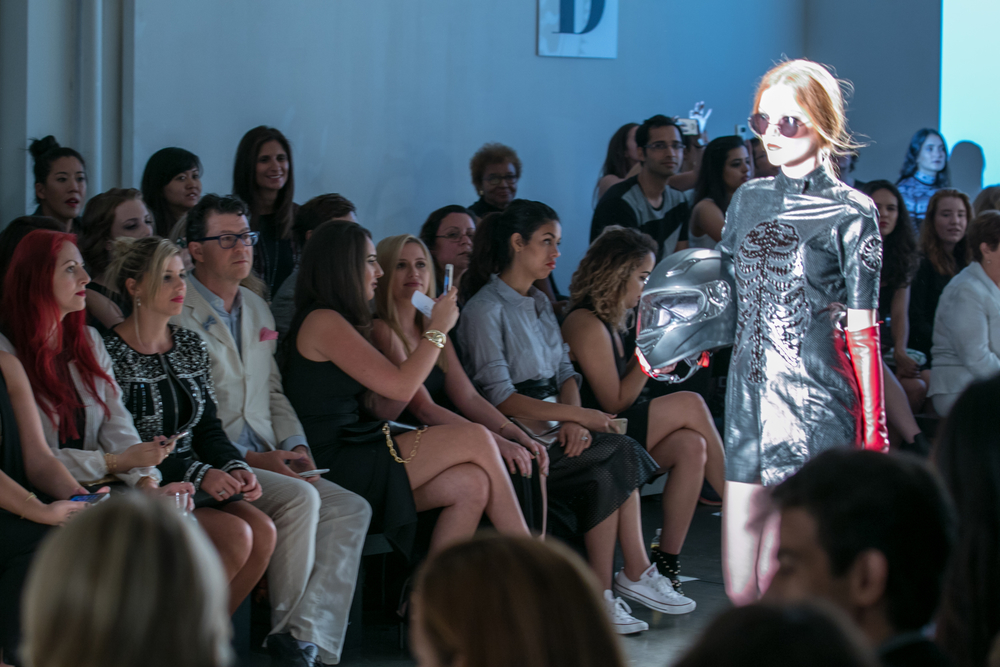 Nolcha_Fashion_Week_New_York_SpSu_2016-LQ0A9240.jpg