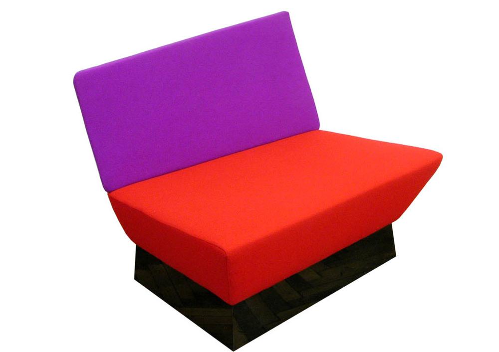 A5_BL_chair_3274_1020.jpg