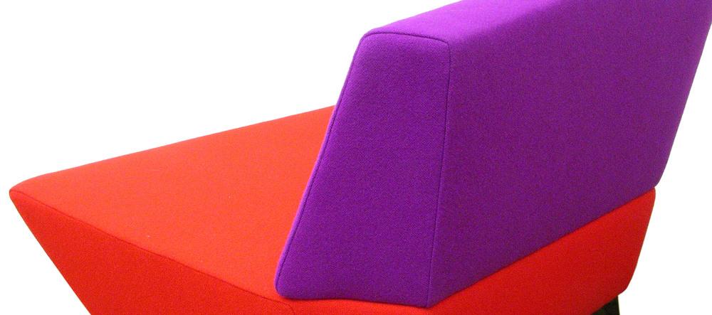 A4_BL_chair_3286_P.jpg