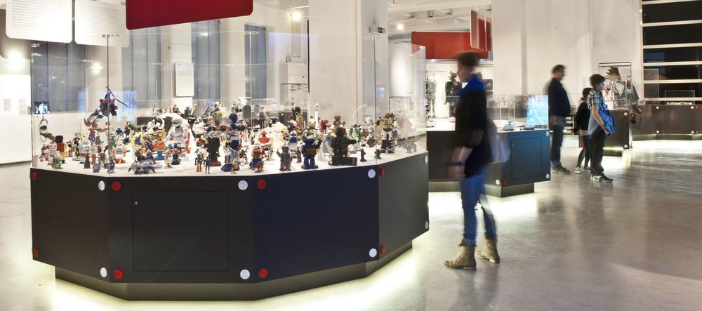 Robots_WCW6274_P.jpg