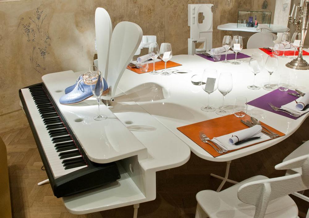 Grand piano table walking chair design studio gmbh for Walking chair design studio vienna