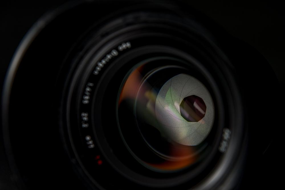 Zeiss Otus lens aperture