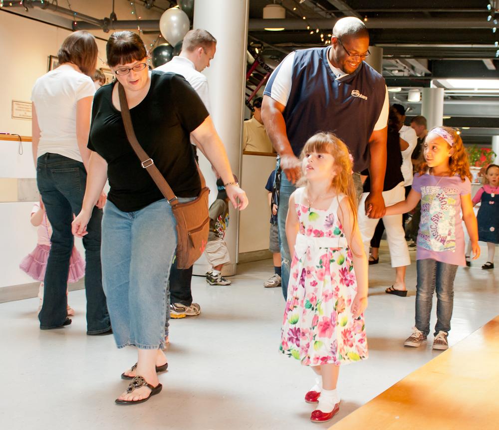20120428-uccc family dance-4481.jpg