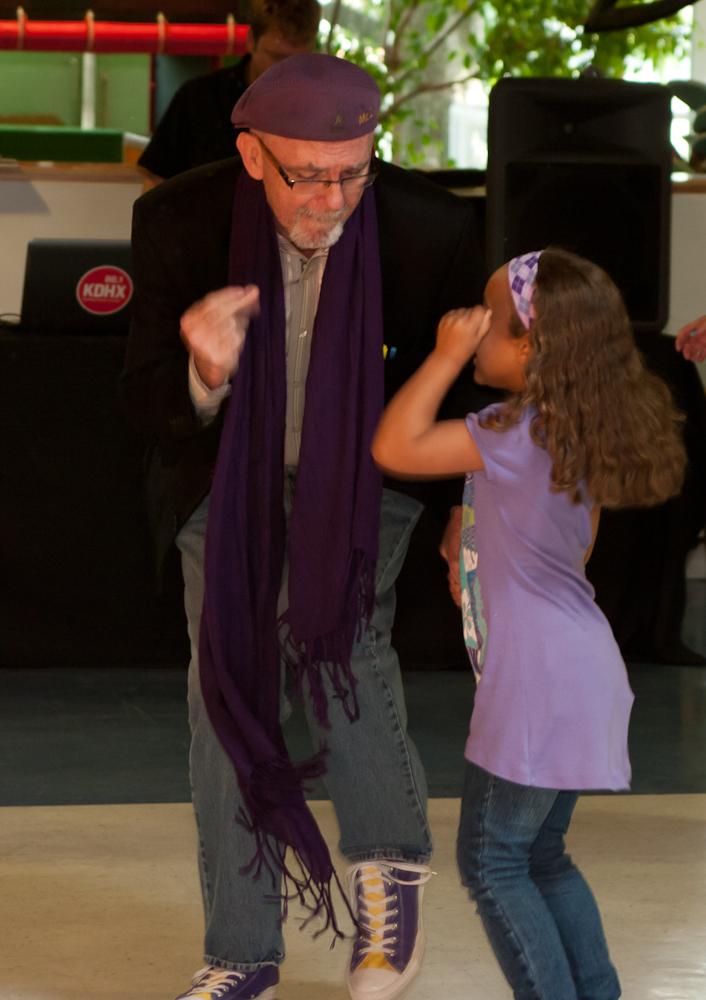 20120428-uccc family dance-4464.jpg