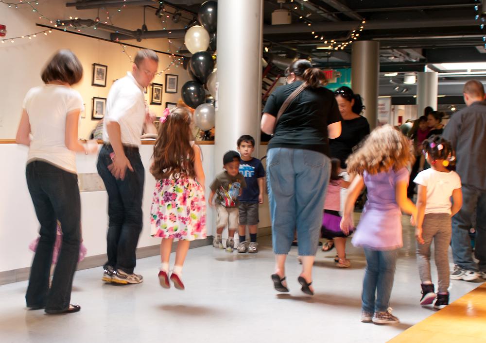 20120428-uccc family dance-4471.jpg