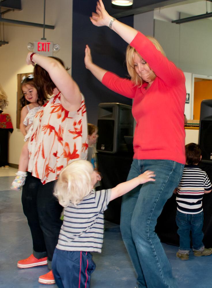 20120428-uccc family dance-4569.jpg