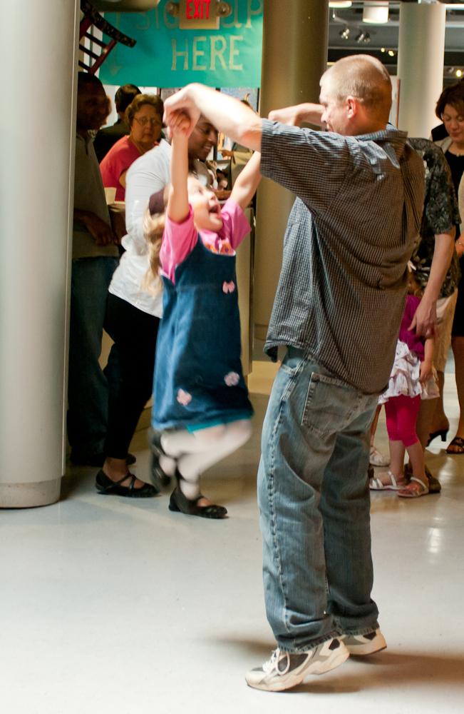 20120428-uccc family dance-4502.jpg
