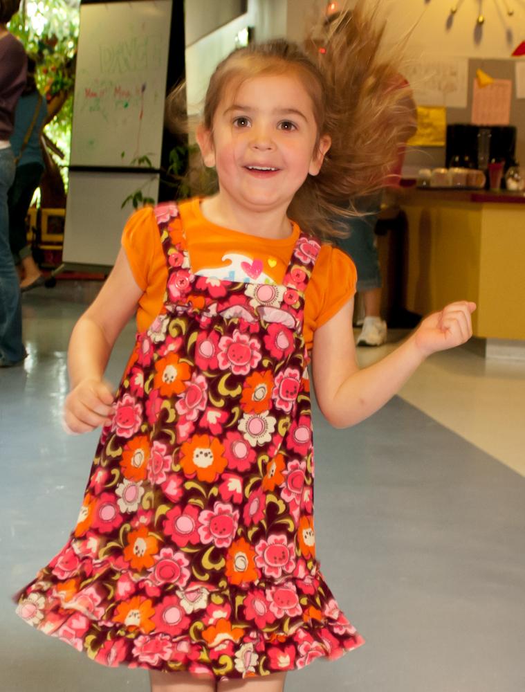 20120428-uccc family dance-4514.jpg