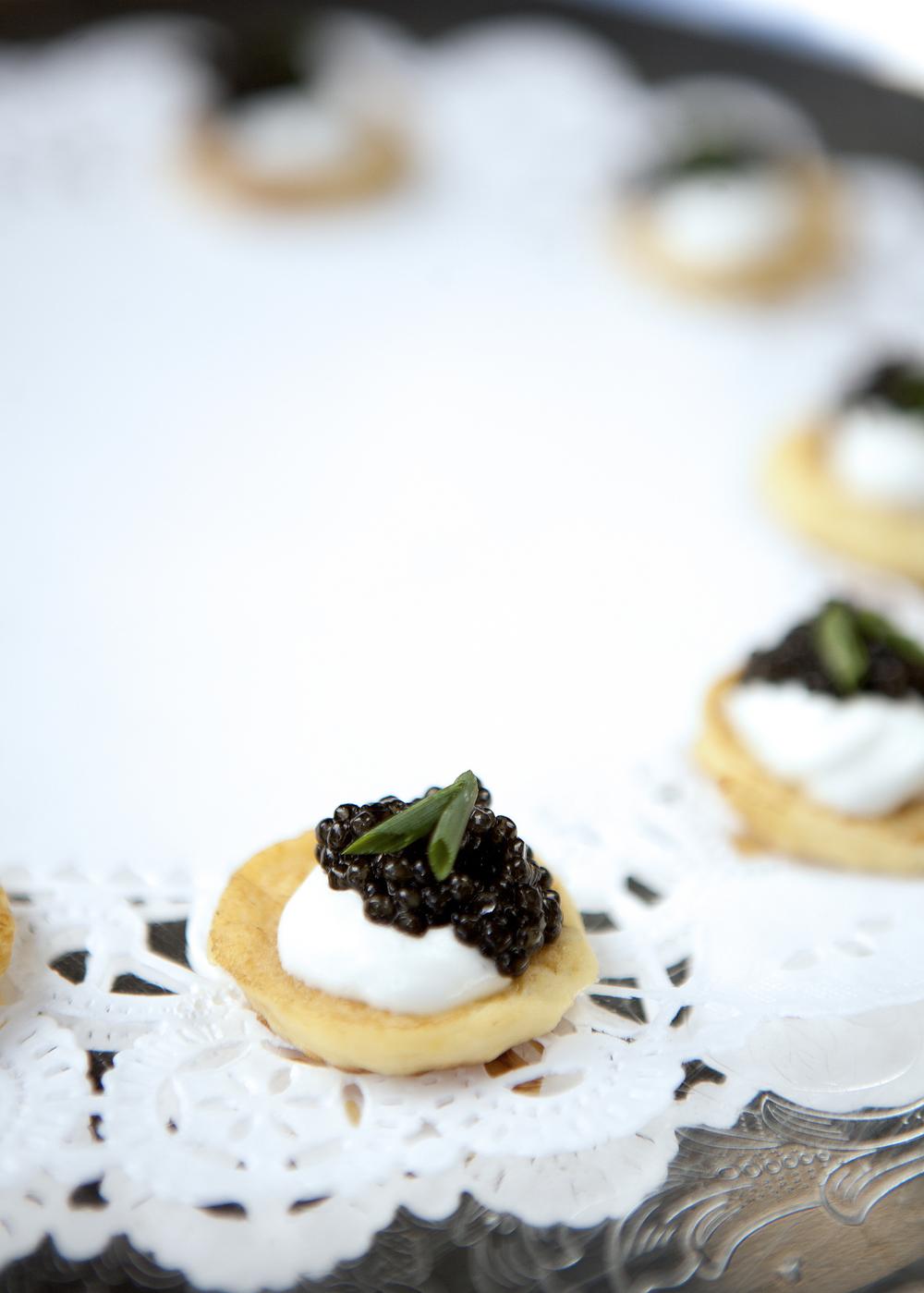 Caviar, creme fraiche, blini