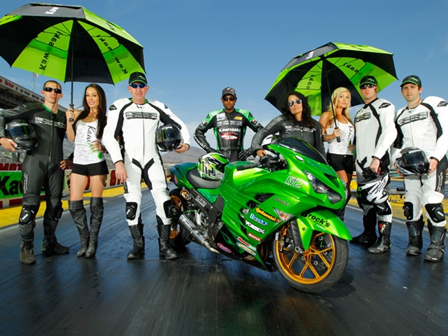 Zero to Hero Finalists pose with the Kawasaki ZX-14R