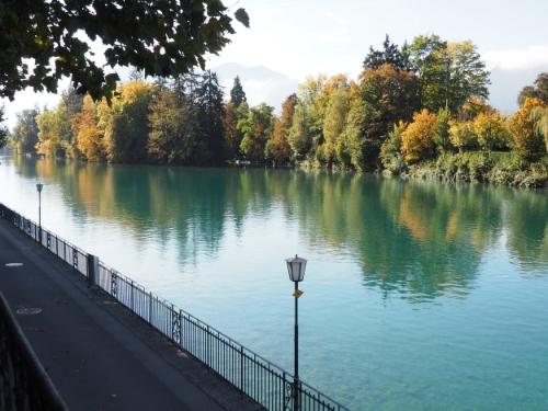 The turquoise water of Lake Thun