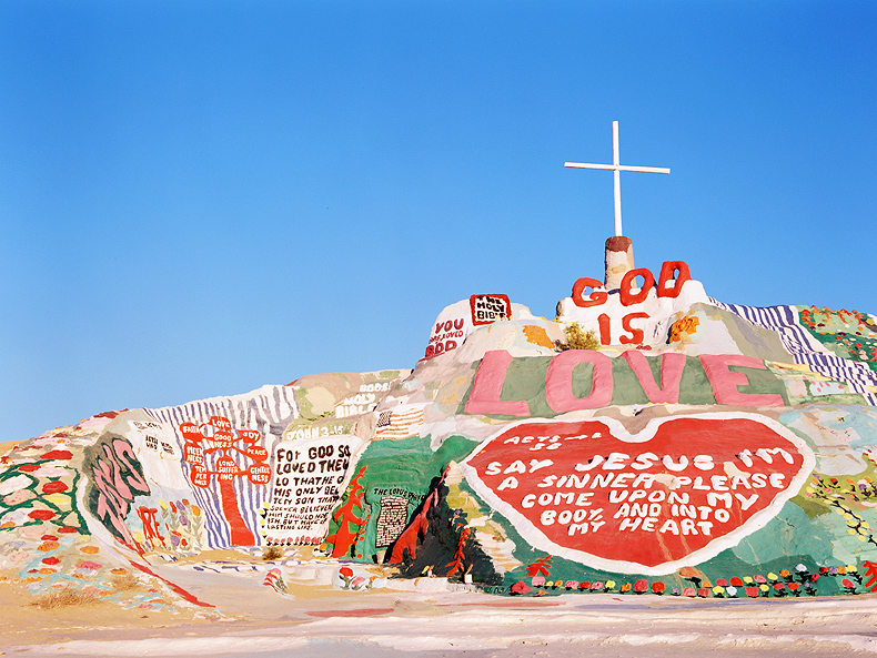 salvationmountain001