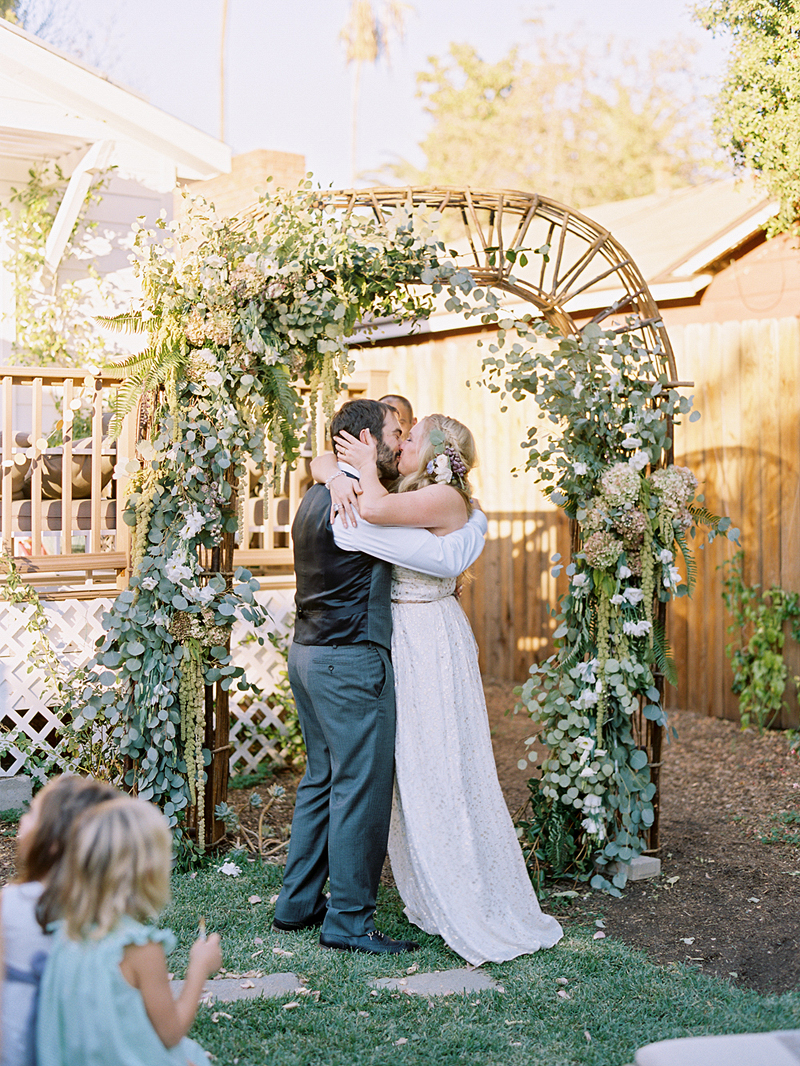 backyardwedding_ashleykelemen007.jpg