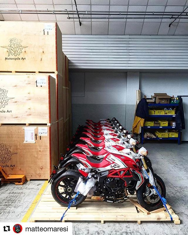 Coming to America #varesepresente #dragsterrc #mvagusta #debut #onlythebest by the best for the best #Repost @matteomaresi with @repostapp ・・・ My Fuorisalone 2017 #TortonaRC 🏭 #Fuorisalone #milanodesignweek #design #designinspiration #salonedelmobile #mvagusta #mvagustamotor #dragsterRC #mvagustadragsterRC #MotorcycleArt