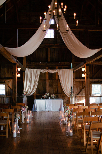 Maine Seasons Events barn wedding photo Meredith Perdue.jpg