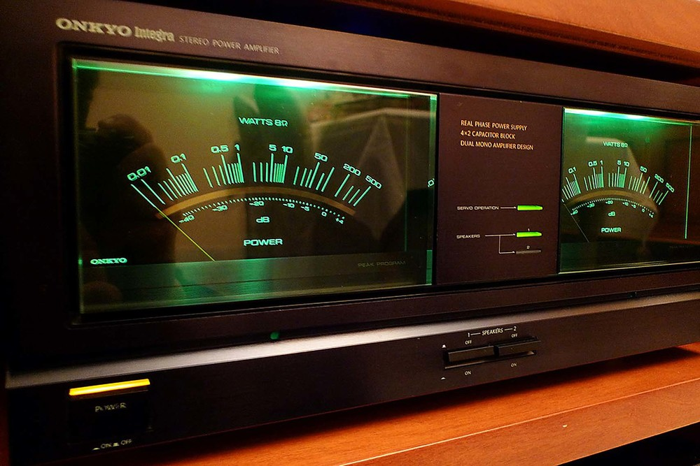 The incredible W meters of the Onkyo m-504