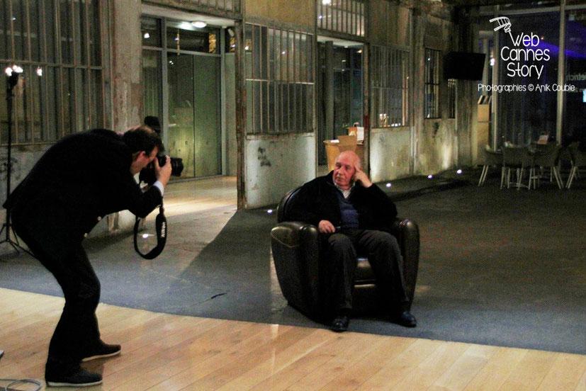 Quand le Photographe photographie le Maître de la Photo, Raymond Depardon... Surtout, ne pas trembler... ( résultat ici )