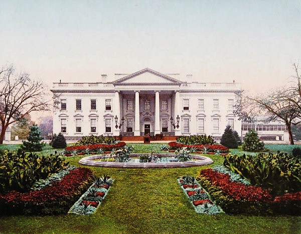 1900 Hand-tinted photo of the White House north face.jpg
