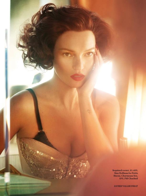 Scarlet Woman Kate Moss Vogue UK 1.jpg