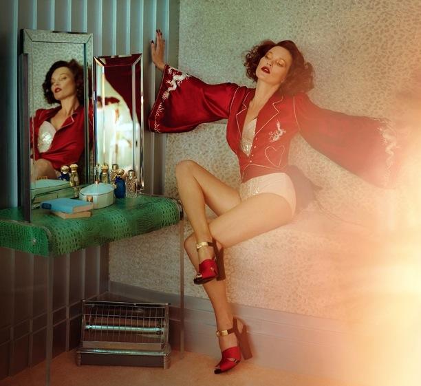 Scarlet Woman Kate Moss Vogue UK 3.jpg