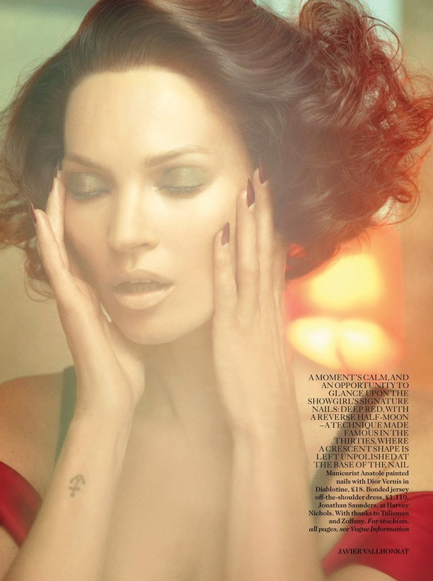 Scarlet Woman Kate Moss Vogue UK 4.jpg