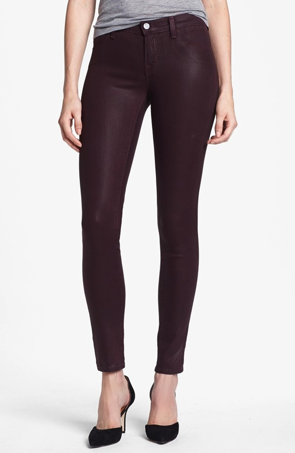 J Brand Skinny Jeans in lacquered pinot