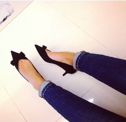 The bow kitten heel.
