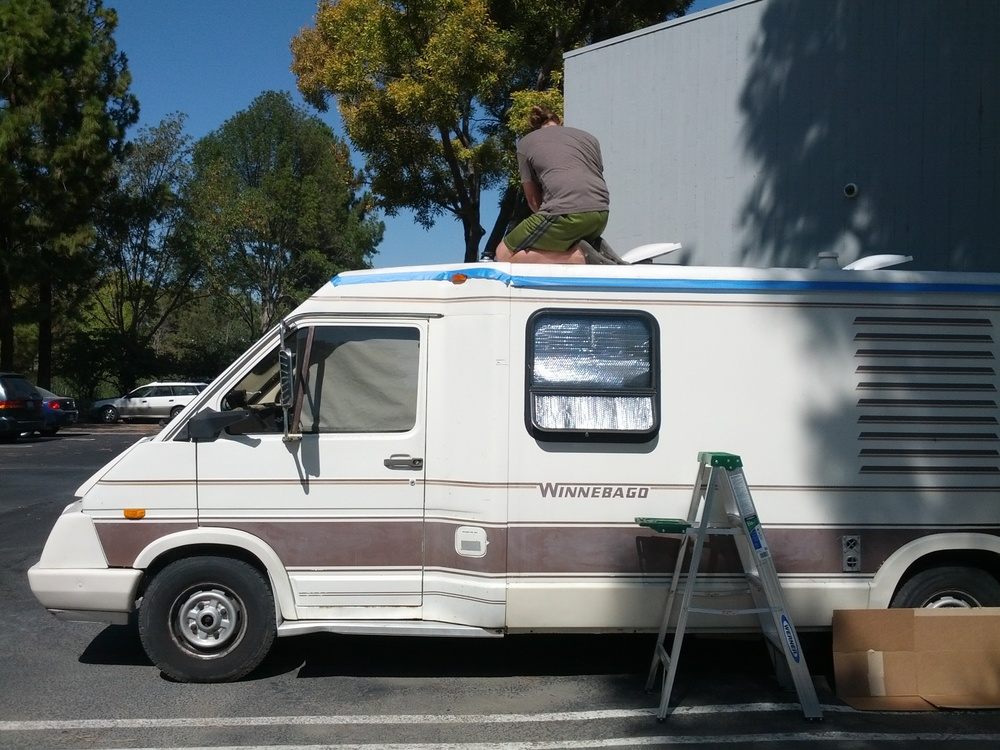 Winnebago Lesharo roof