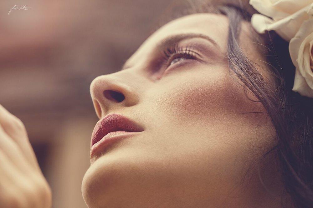 professional makeup artist based in edinburgh.jpg