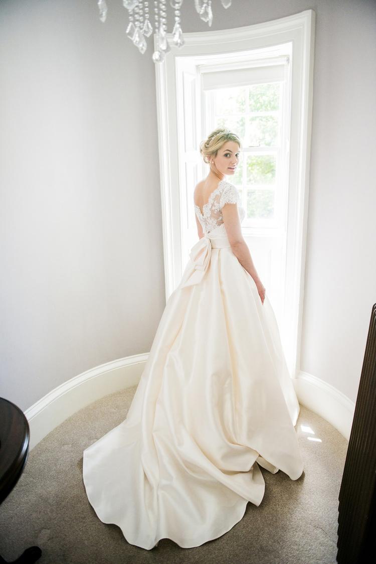 stunning bridal gown edinburgh.jpg