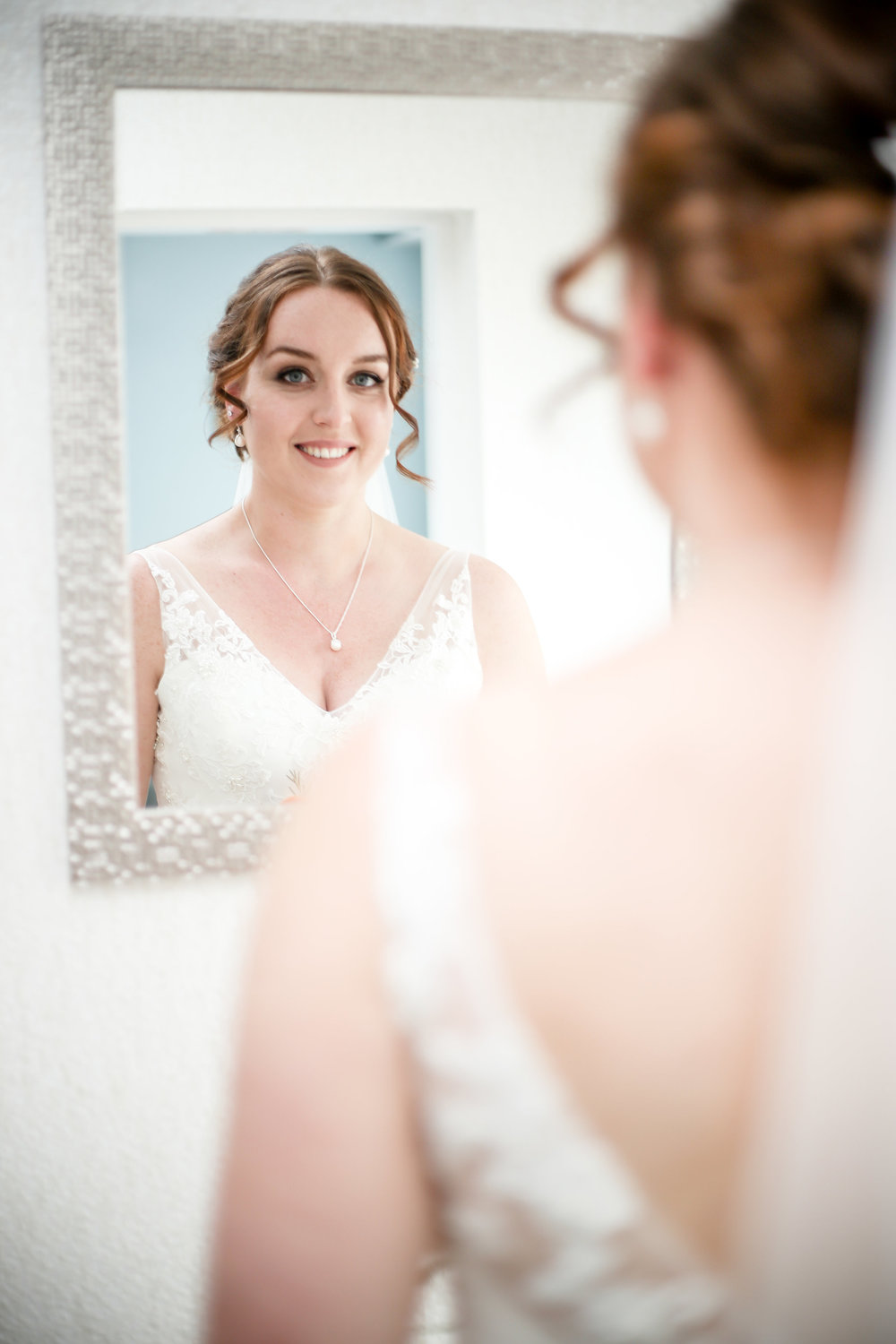 EDINBURGH BRIDAL MAKEUP ARTIST.jpg