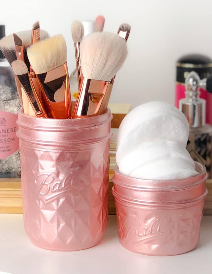 makeup artist brush masterclass.jpg