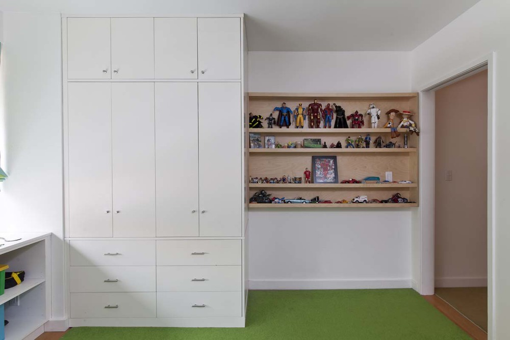 Tys casa kids for Floor to ceiling cabinets for living room