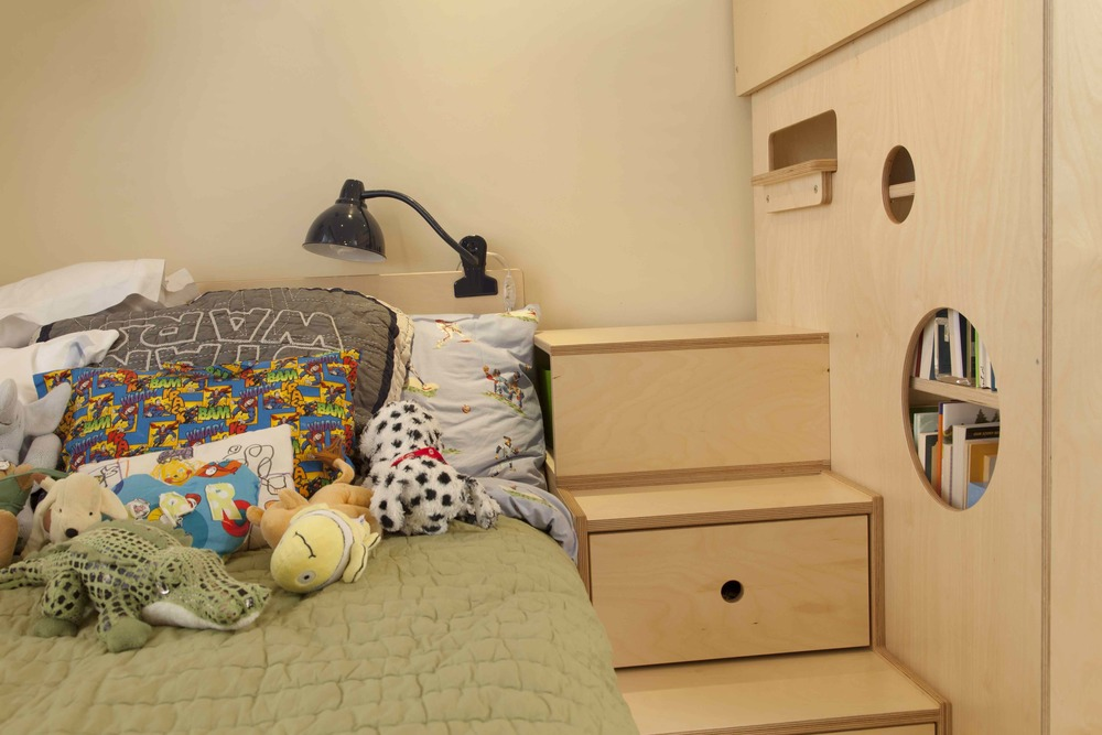 casa kids-bed with stairs-cubby