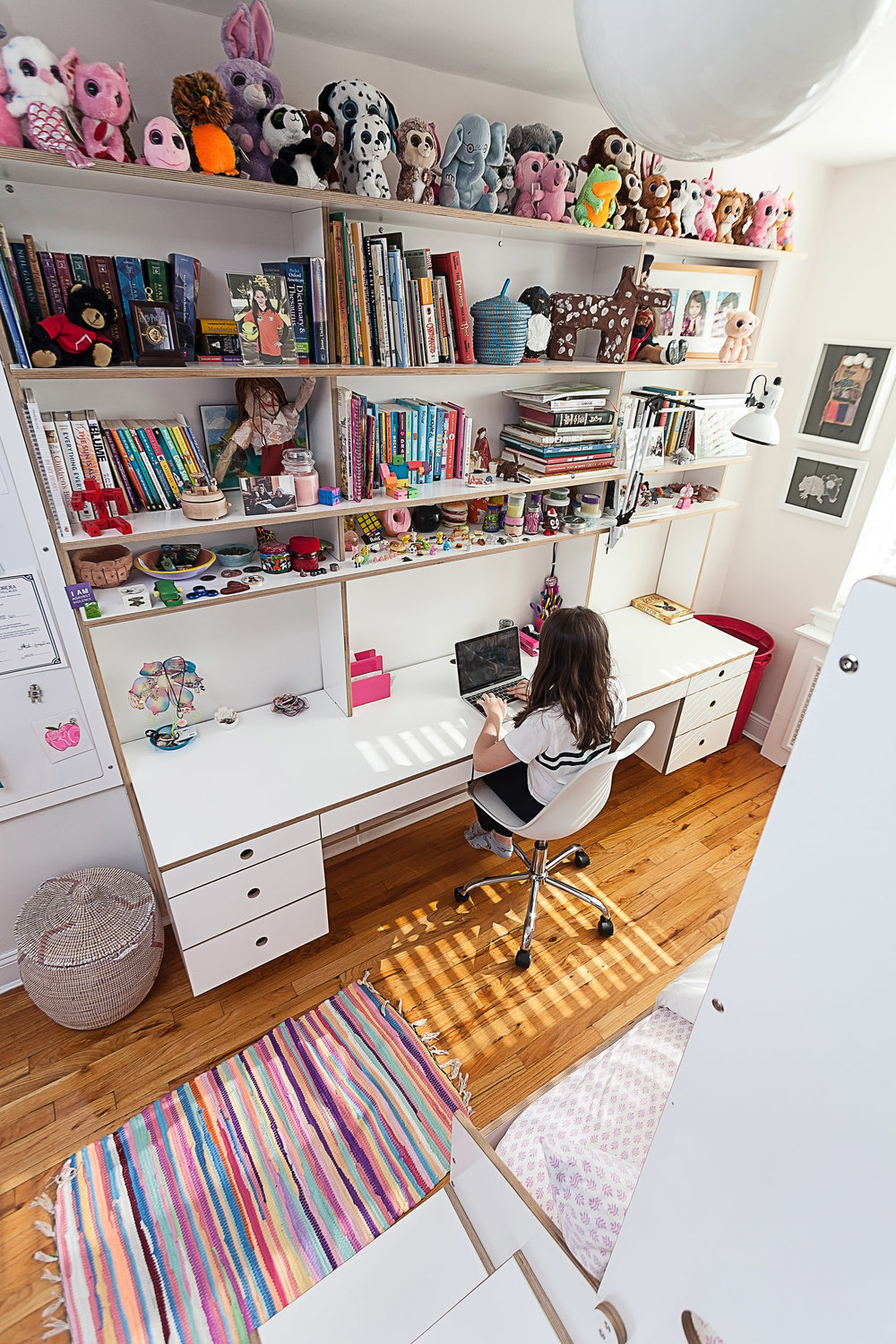 floating desk casa kids