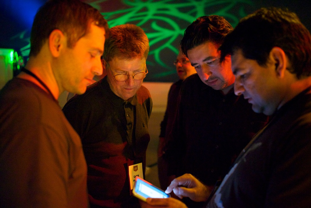 @FarshadNayeri showing off @pixxa Perspective to @gruber, @donmelton, @asymco at @ullconf 2013.