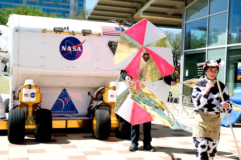 Space Wiggs at Discovery Green with NASA