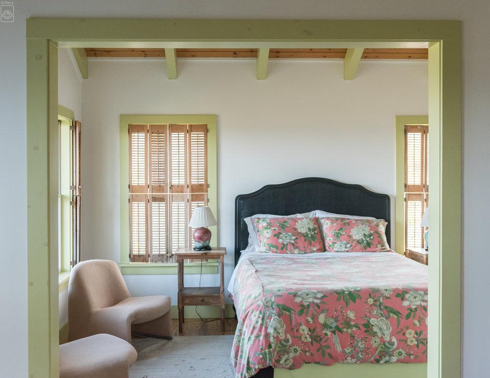 Room 10, one queen and ocean views