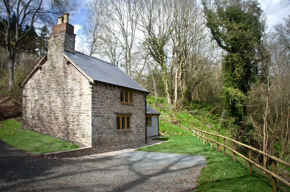 Your own private escape - high on the banks of the Wye