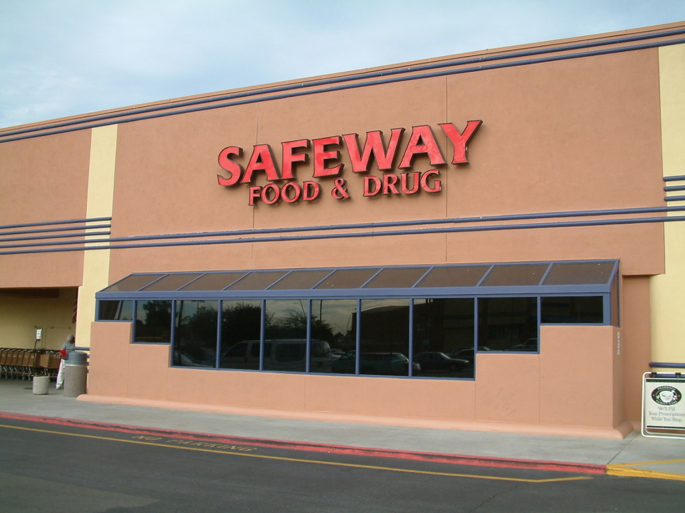 Safeway 12-3-03.JPG