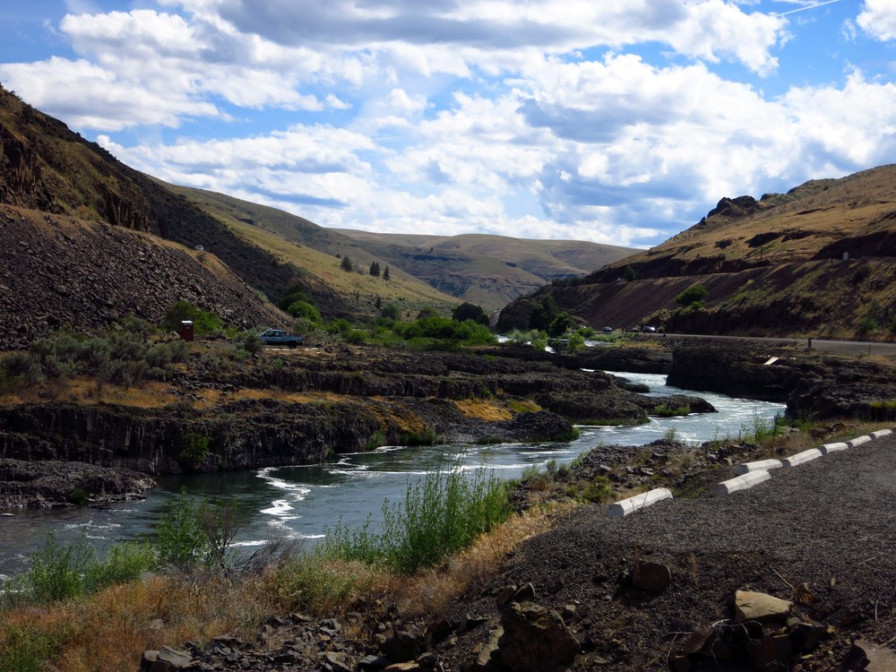 The Deschutes River looking upstream towards Sherar's Falls. Look closely on the right for a fishing platform.